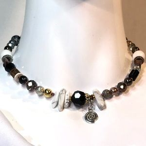 Jewelry - Handmade Necklace Vintage and Modern (N05)1H